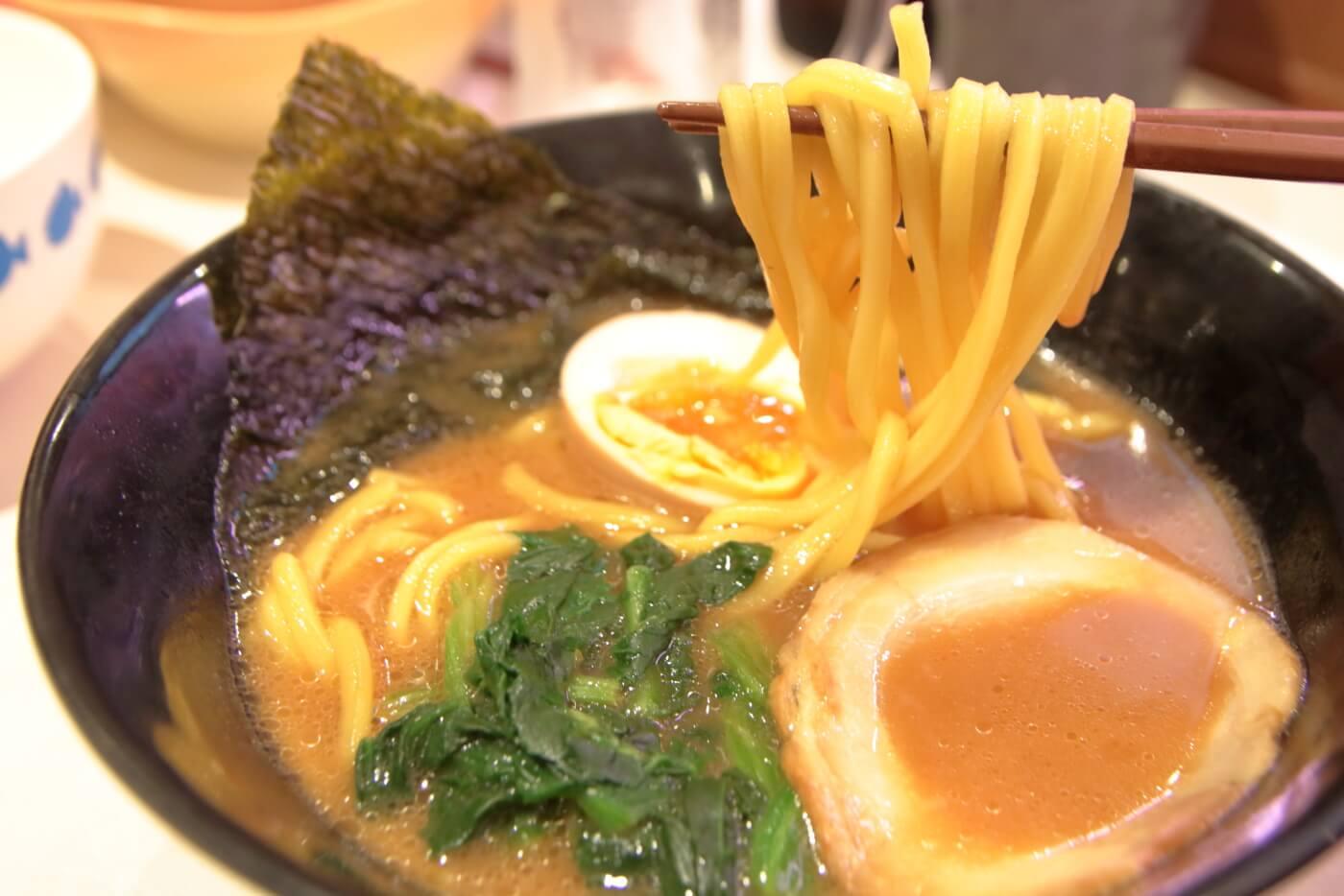 はま寿司 横浜家系ラーメン 豚骨醤油