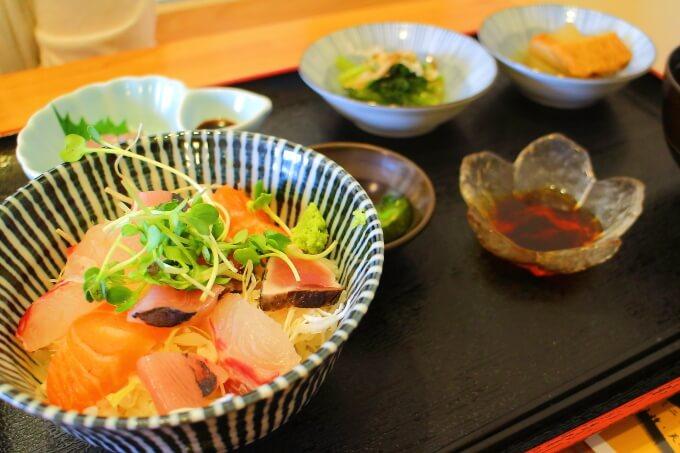 季節料理 寛 海鮮丼定食