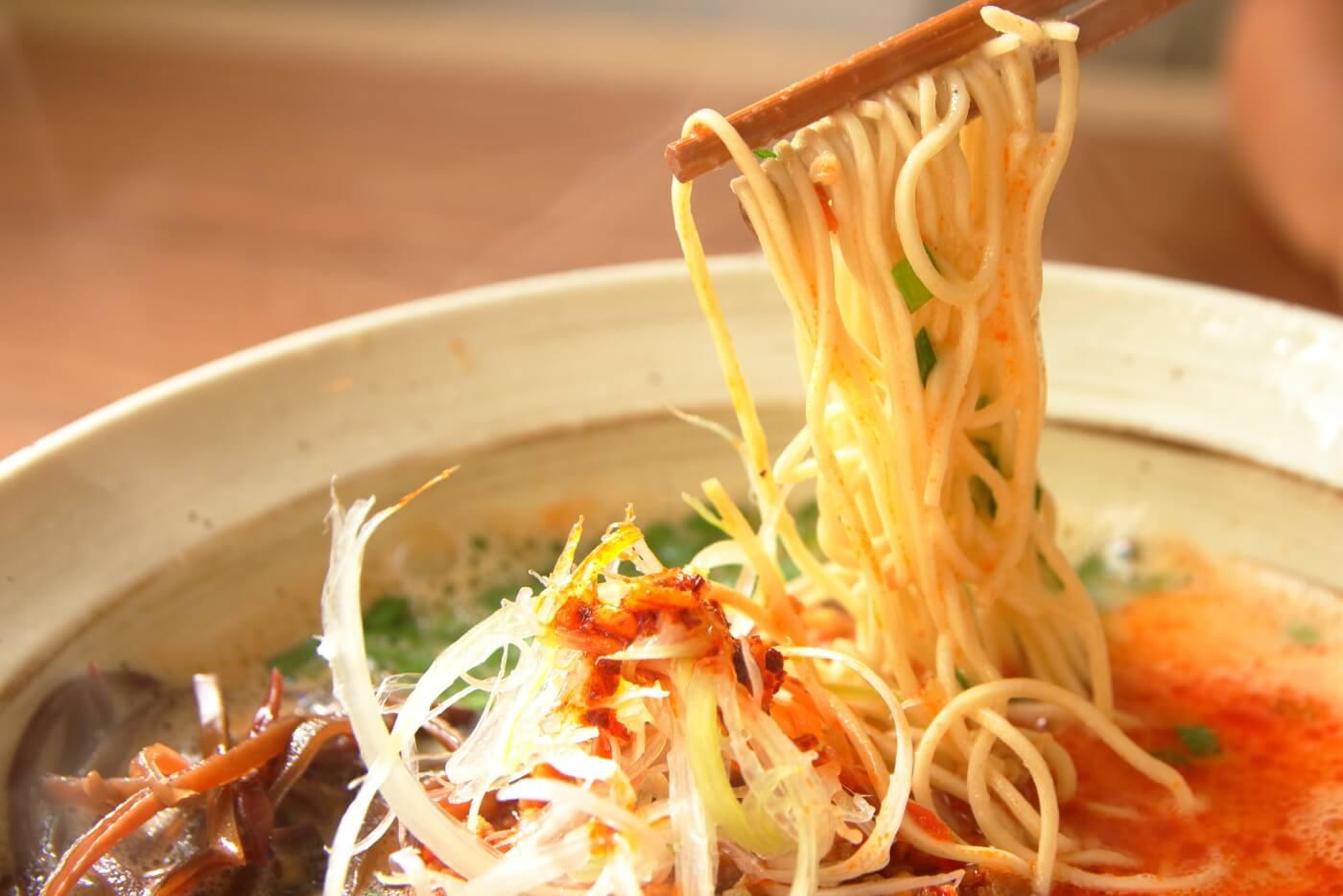 らーめん食堂 一心 namihana 汐担々白 細麺