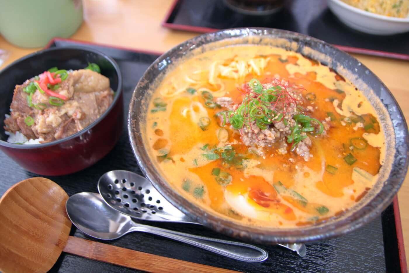 どば 担々麺+牛すじ丼セット