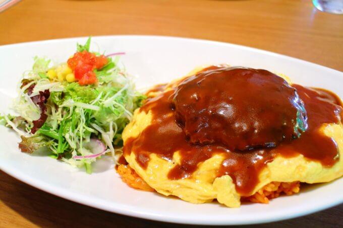 高知市春野町のレストランすぷりんぐす オムバーグプレート