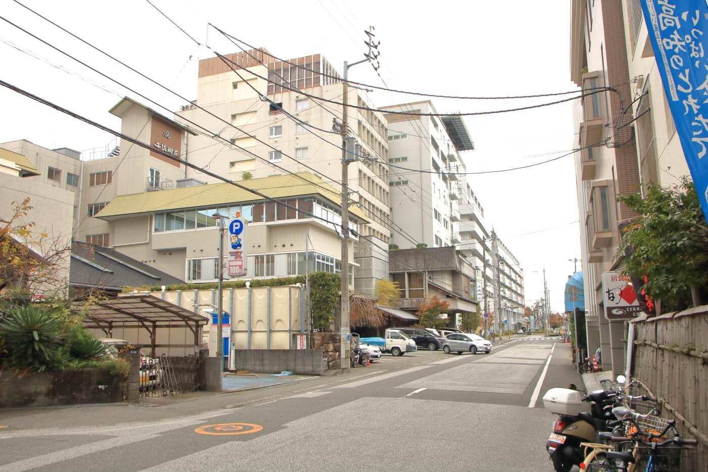 居食倶楽部 旬家(じゅんや) 店先より東方の風景
