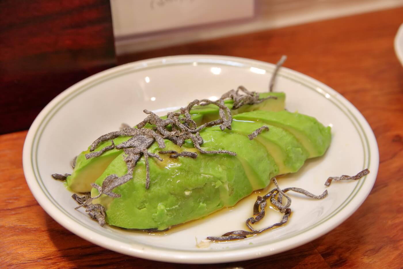 リニューアルオープンした高知市の居酒屋英屋の料理 アボカド