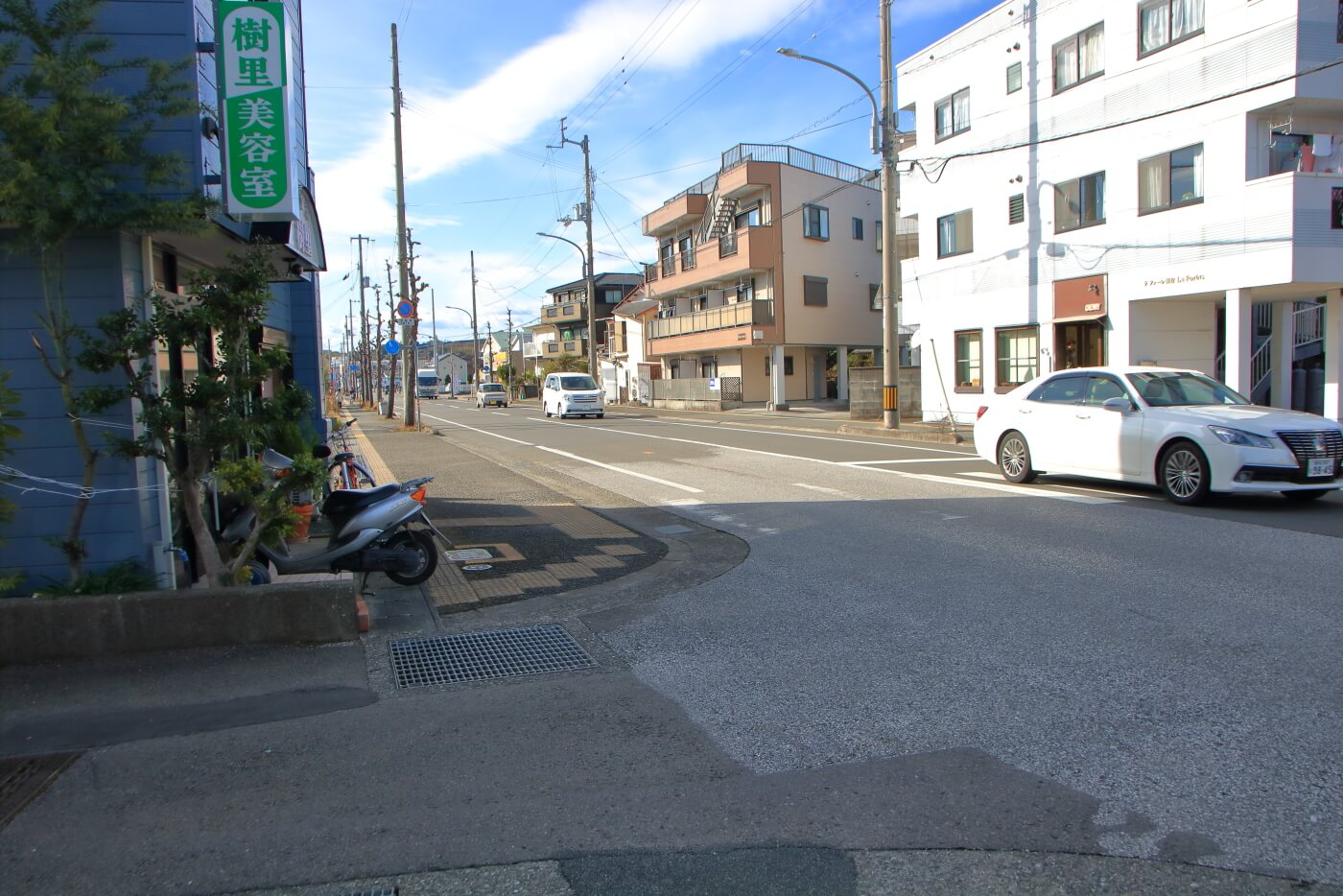 拉麺一方の店先から西方を見た風景
