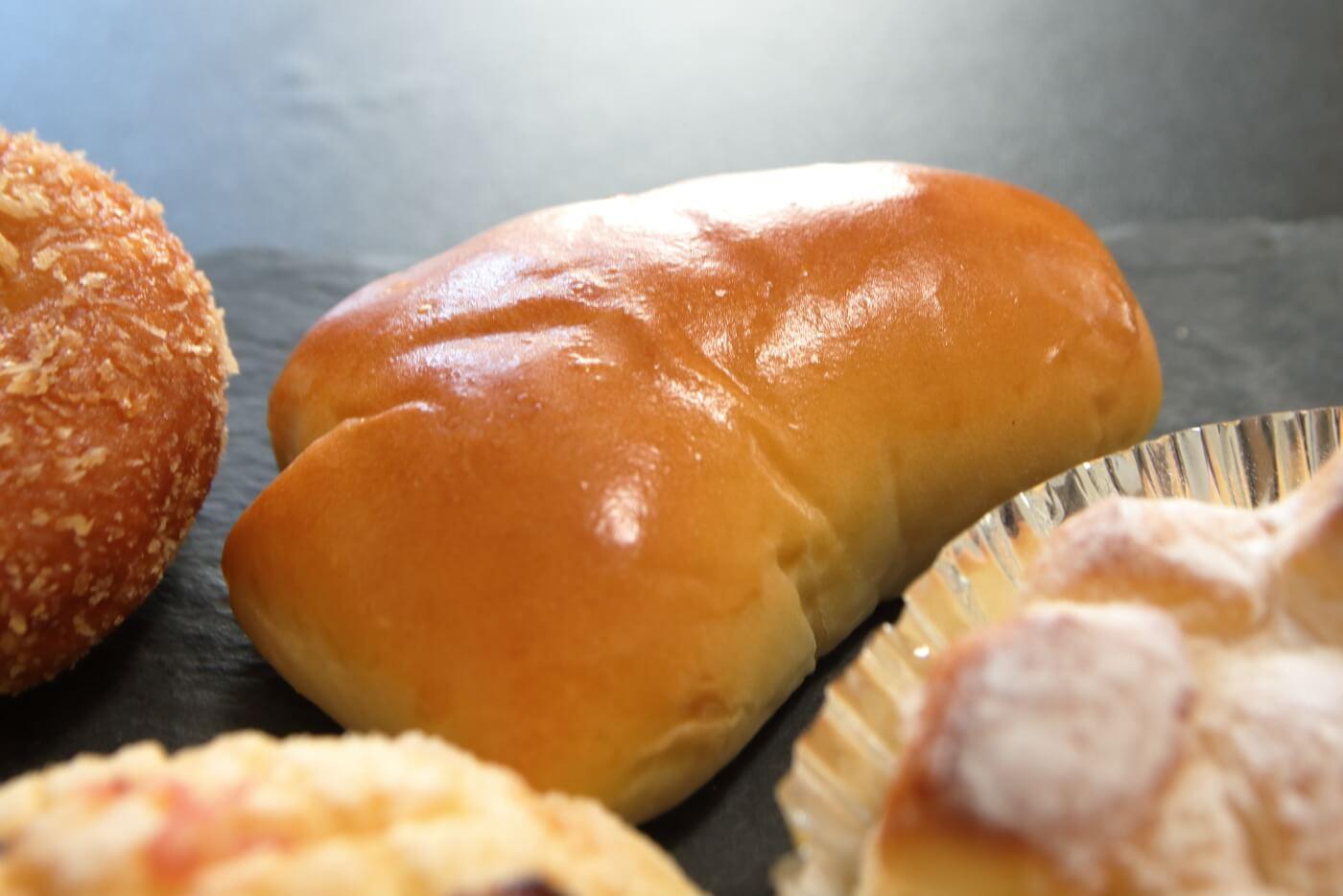 ペロリ クリームパン
