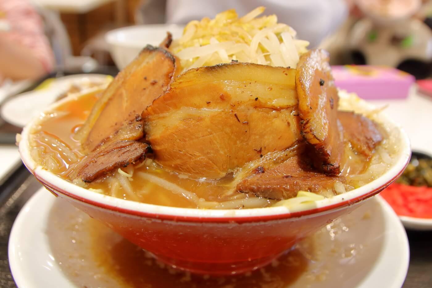 本場博多とんこつラーメン神(jin)サニーアクシスいの店 こってりもやしそば豚盛野菜大盛りニンニク少なめ