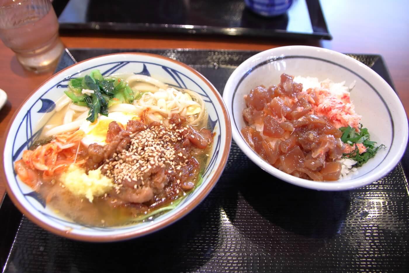 丸亀製麺 牛焼肉冷麺 海鮮のっけ丼