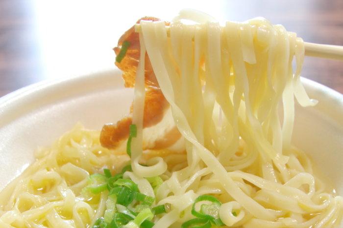 中四国のローソン限定で販売される讃岐ラーメンはまんどチルド麺